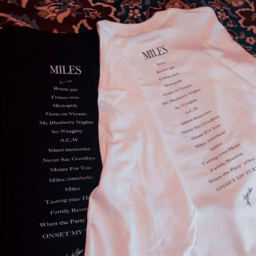 """MILES"" OFFICIAL LONG SLEEVE TEE BLACK (XL)"